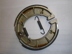 Bremsbacken mit Federn/Brake shoes with springs / Machoires de frein avec ressorts