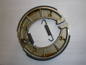 Bremsbacken mit Federn/Brake shoes with springs / Machoires de frein avec ressorts